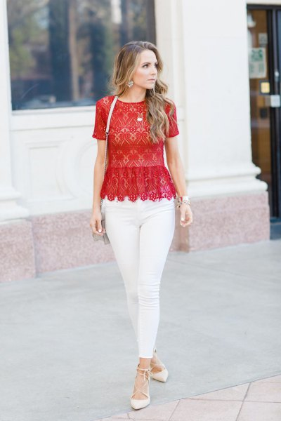 red lace scalloped hem top with white skinny jeans