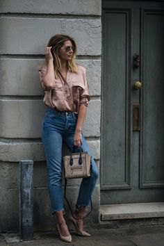 rose gold short sleeve shirt with cropped high rise jeans