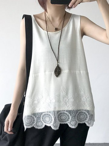 white lace hem tank top with black jeans