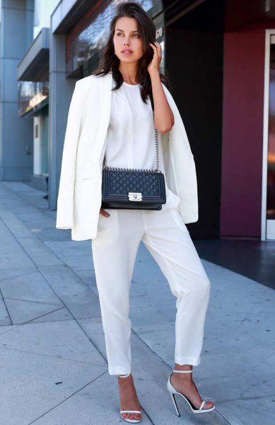 white oversized blazer and t shirt