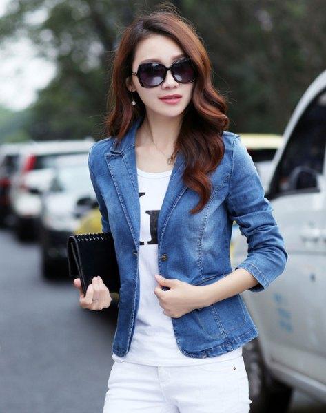 blue denim blazer with white skinny jeans