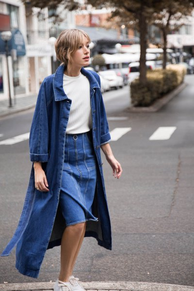 blue maxi blazer with denim knee length skirt