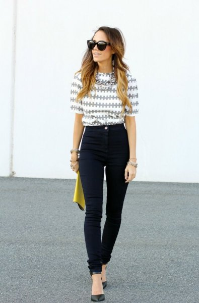 grey and white printed half sleeve blouse with black high waisted jeans