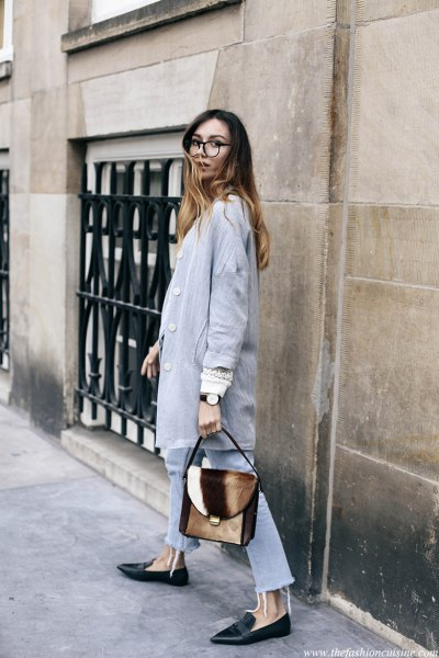 grey longline linen blazer with light blue jeans