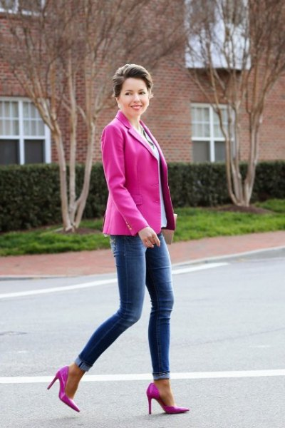 hot pink blazer with sky blue blouse and skinny jeans