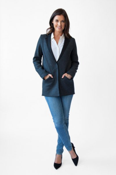 navy blue sweater blazer with white shirt and light jeans