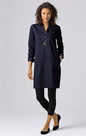 navy button up tunic blouse with black cropped leggings