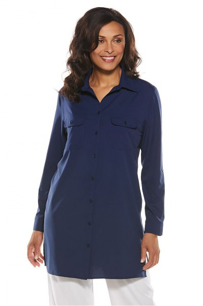 navy tunic shirt with white wide leg jeans