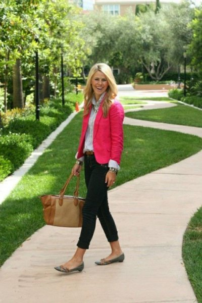 pink blazer with light blue button up shirt and black skinny jeans