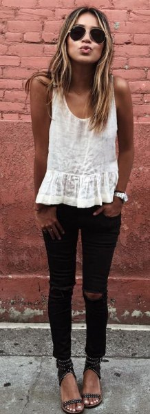 white tank top with black skinny jeans and sandals