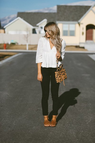 white v neck half sleeve peplum blouse with black skinny jeans