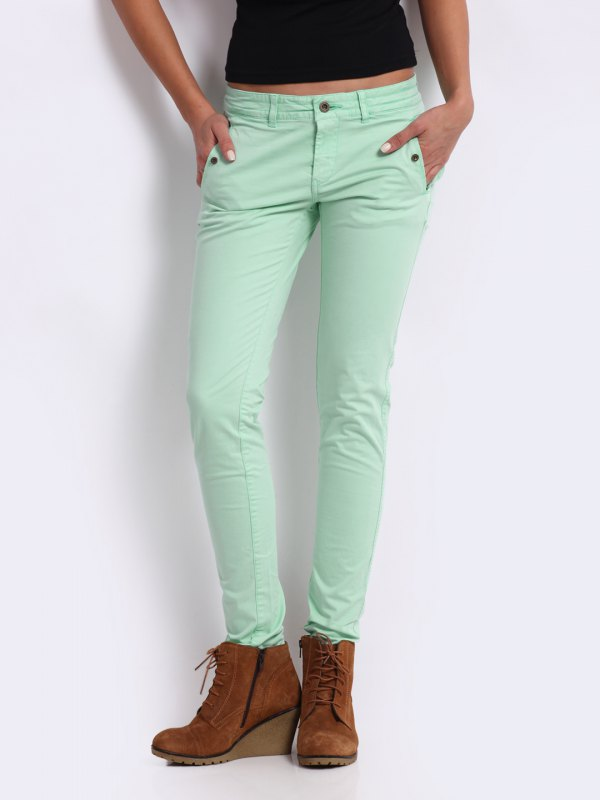 best slim fit chinos outfit ideas for women