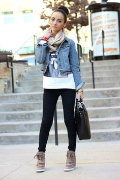 blue fitted denim jacket with white print tee and grey wedge sneakers