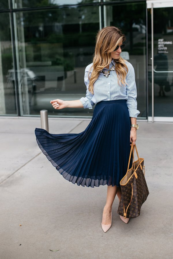 785d9f3cfae How to Style Pleated Midi Skirt  Best 15 Breezy Outfit Ideas for Ladies