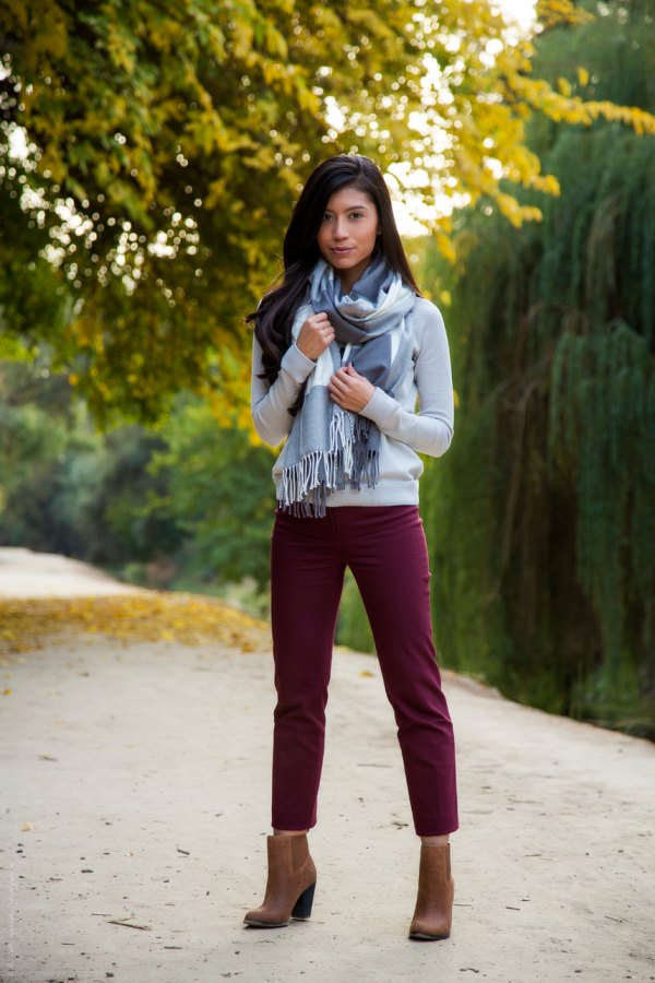 best maroon jeans outfit ideas for women