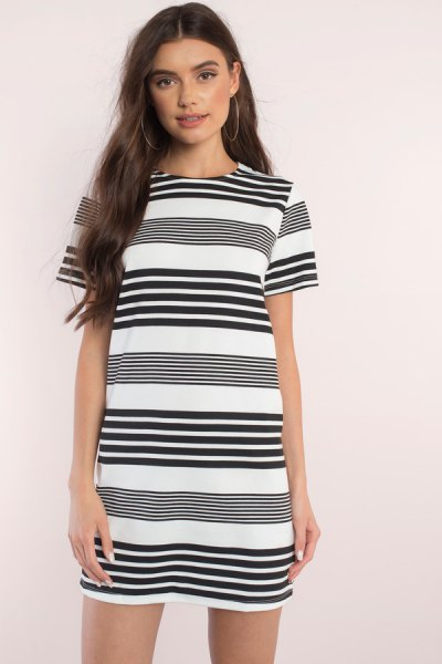 black and white random striped short sleeve mini shift dress