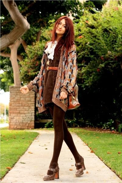 grey printed cardigan with mini belted burgundy skirt