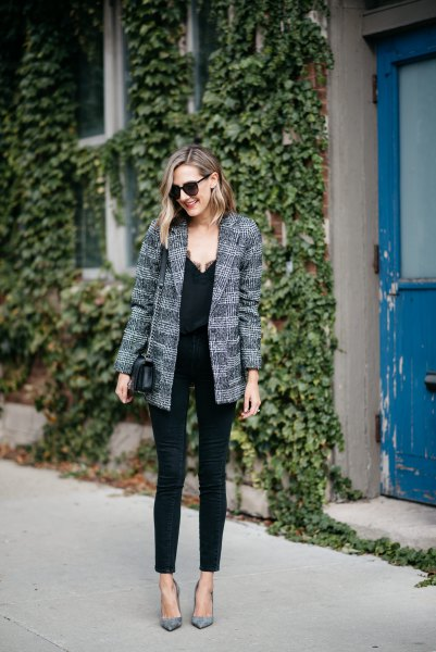 tweed boyfriend jacket with black camisole and skinny jeans
