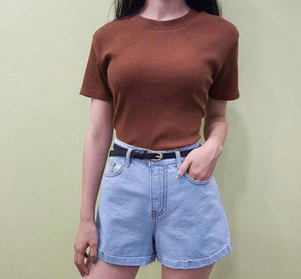 green ribbed slim fit short sleeve sweater with light blue unwashed vintage denim shorts
