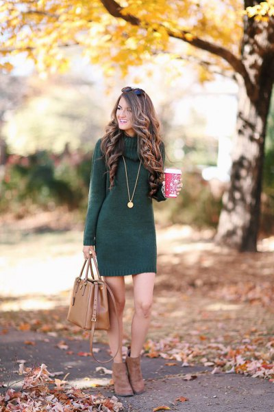 grey sheath knit dress with brown leather purse