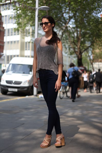 sheer blouse with black tank top and skinny jeans