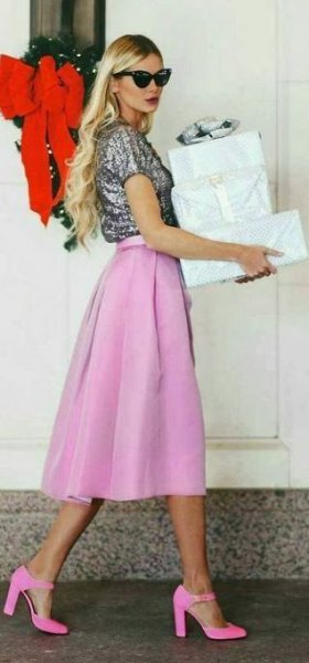 short sleeve shiny tee with pink midi chiffon skirt