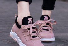 best comfortable walking shoes outfit ideas for women