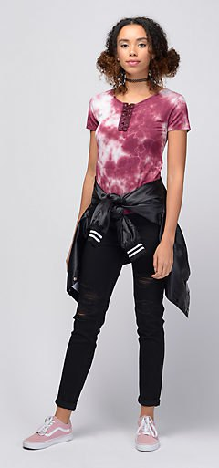 fitted t shirt with cuffed black skinny jeans and bomber jacket
