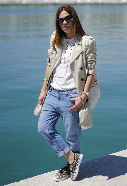 pale pink longline blazer with light blue cuffed boyfriend jeans