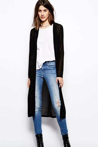 black midi cardigan with white tee and blue skinny jeans