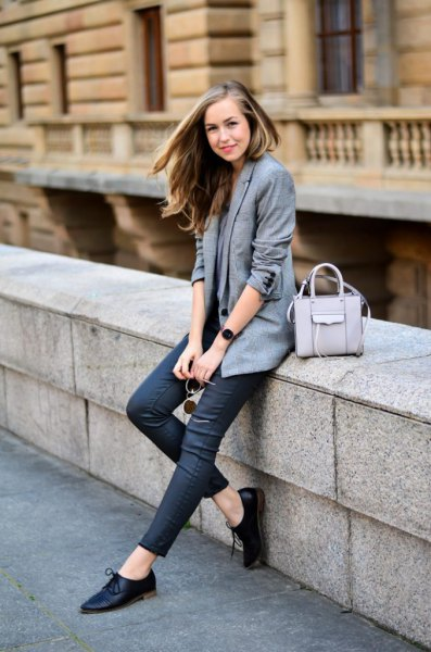 grey blazer with dark blue skinny jeans and oxford shoes