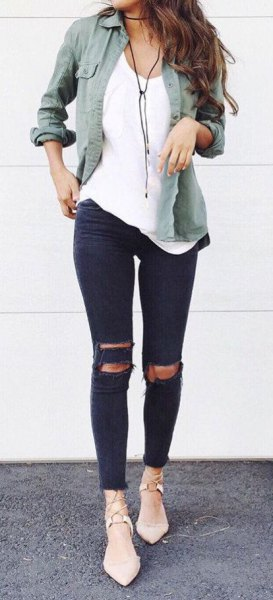 grey linen shirt with white tank top and black ripped skinny jeans