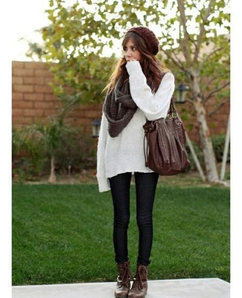 oversized white sweater with grey scarf and black skinny jeans