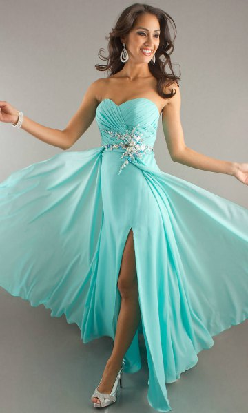 sweetheart neckline fit and flare floor length chiffon dress with open toe heels