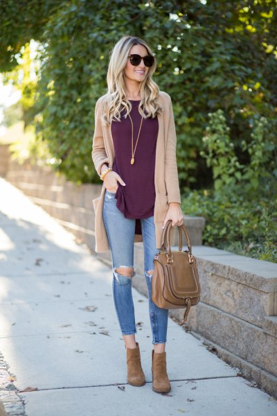 tan sweater cardigan with grey tank top with ripped skinny jeans