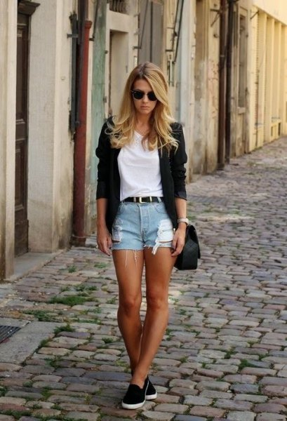white t shirt with black blazer and cut off shorts