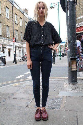 black button up shirt with dark blue skinny jeans and burgundy dress shoes