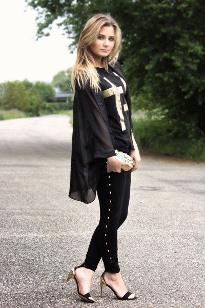 black chiffon jacket with skinny jeans and open toe shoes
