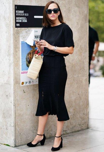black short sleeve midi ruffle dress with burgundy low heels
