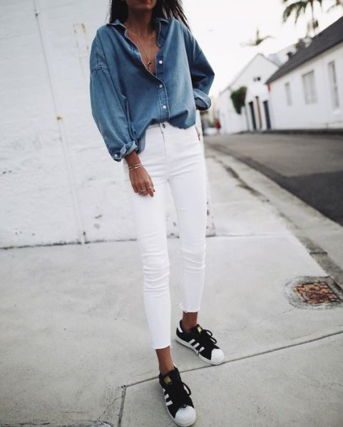 blue chambray shirt with white skinny jeans