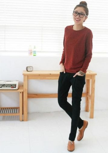 brown knit sweater with black skinny jeans and brown dress shoes