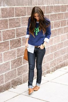 navy blue knit sweater with black skinny jeans and brown shoes