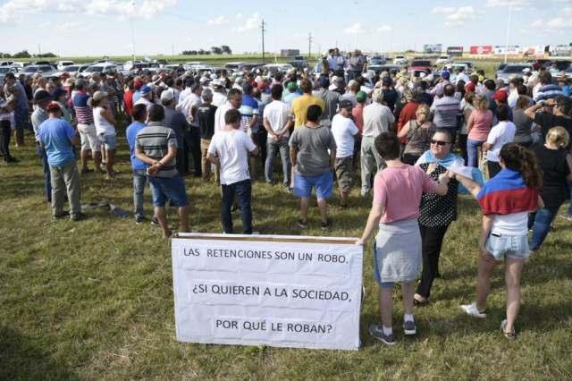 Hubo entre 500 y 700 asistentes en Armstrong, Santa Fe Crédito: Marcelo Manera