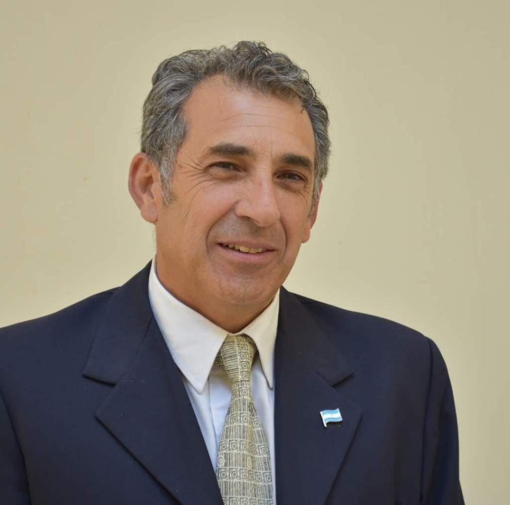 Lic. Jorge Armendáriz.