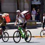 Fin de la luna de miel para apps de delivery: aumentan quejas de los usuarios y se endurece la regulación