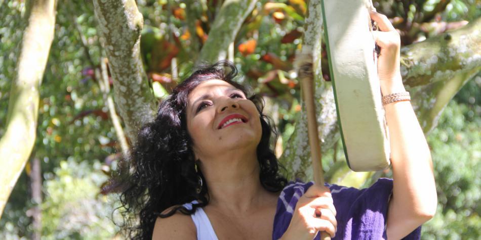 Martha Elena Hoyos, cantora, investigadora, impulsora de la cultura desde Colombia, entrevistada por Fulanas Trío