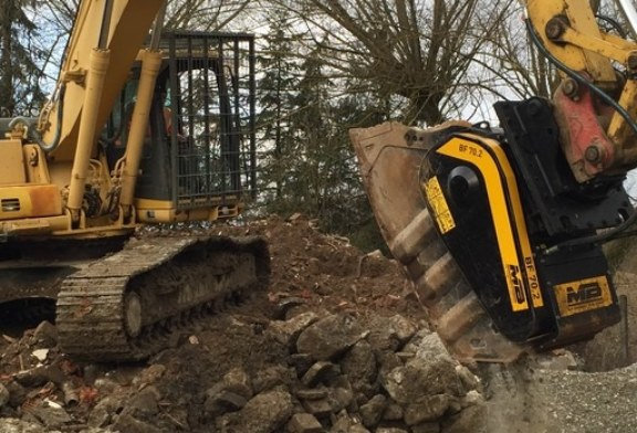 COMPACT AND VERSATILE: THE BF 70.2 CRUSHER BUCKET – PAST AND PRESENT | On-site crushing