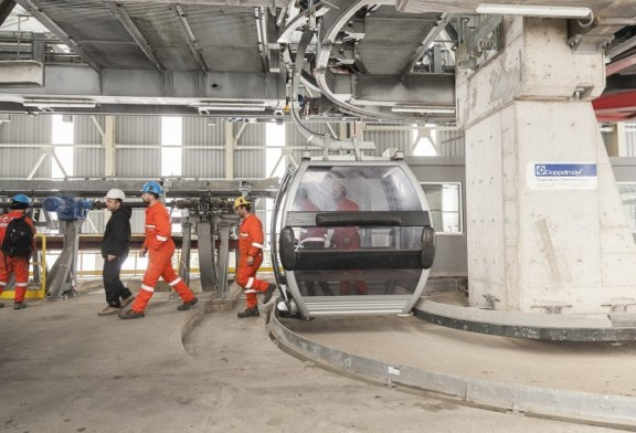 Ropeway as a means to transport people and material