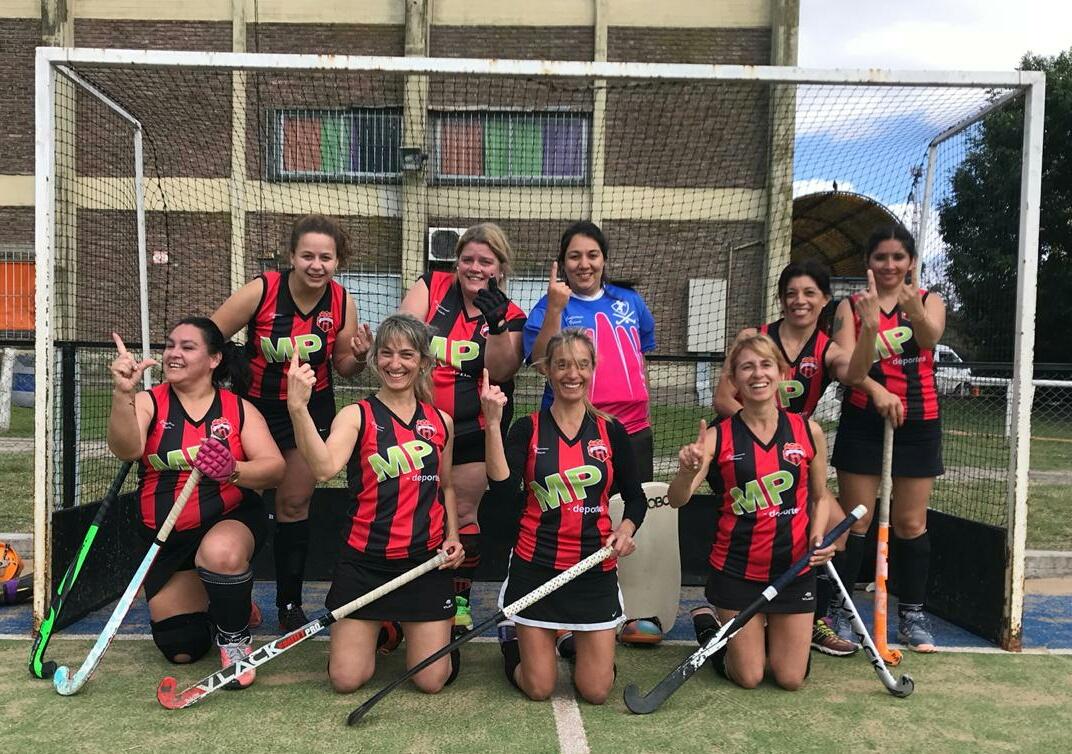 Las chicas de Athletic terceras en el seven del Banco Hipotecario.