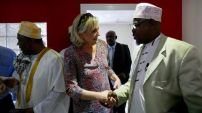 Marine Le Pen rencontrait le Grand Cadi de Mayotte, ainsi que plusieurs autres Cadis, afin d'évoquer les problèmes d'immigration, de radicalisation et la question de la laïcité.
